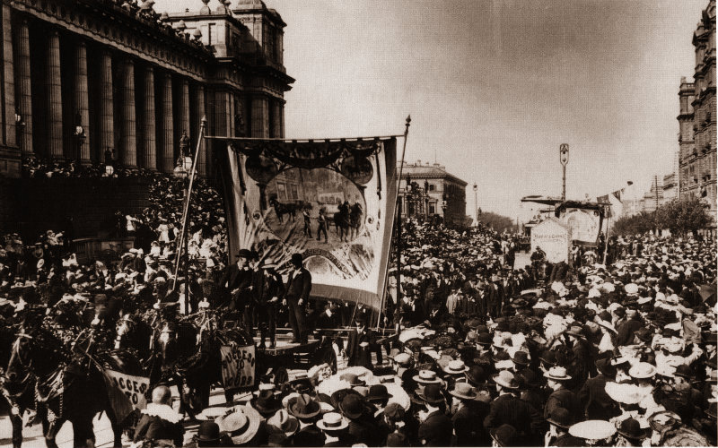 The Victorian Carters' and Drivers' Union - which became the modern TWU - led a procession through Melbourne in 1900 calling the introduction of an 8-hour day.